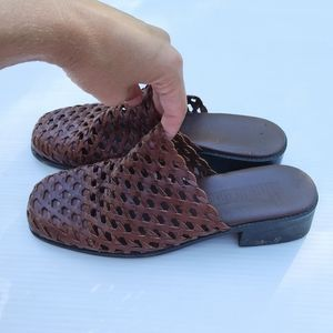 Vintage Shoes - VINTAGE woven brown leather mules slide sandals